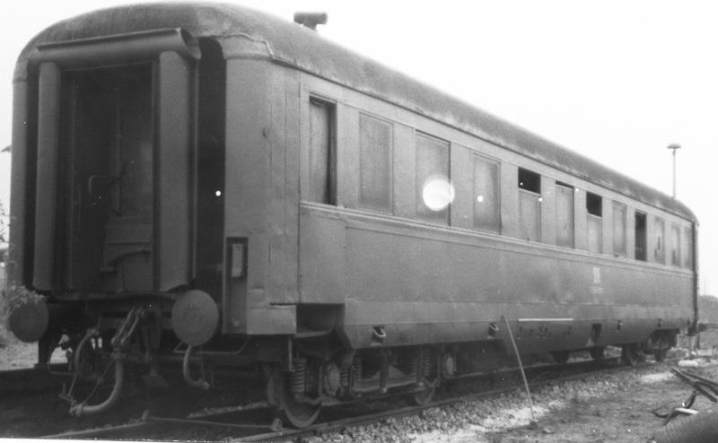 Schürzen-Schlafwagen WLAB4ül